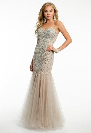 203cb471d2b Camille La Vie dress has a strapless sweetheart neckline