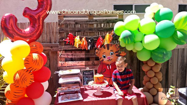 Chic And Unique Parties Daniel Tiger Party Daniel Tiger Party Decorations Daniel Tiger Birthday