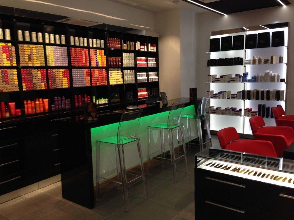 Les 25 meilleures idées concernant le tableau Salons De Coiffure ...