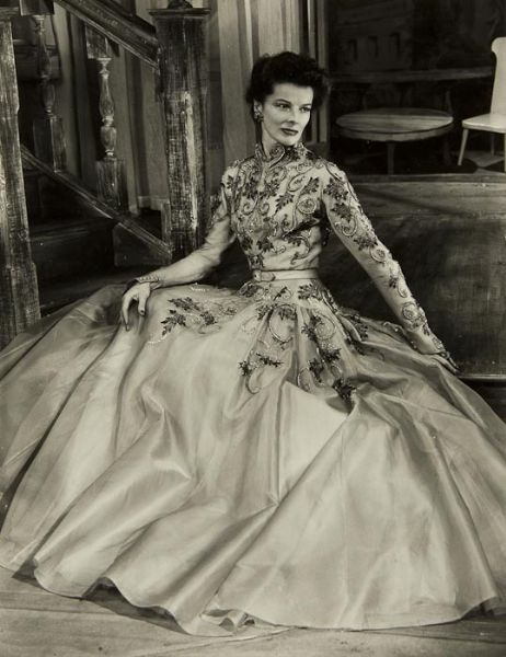 Katherine Hepburn in the West End production of GB Shaws The Millionairess, 1952, photo by Angus McBean. The production was later brought to Broadway in October of the same year. viamattadoresit