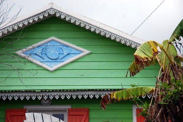 case creole et lambrequin Case creole Pinterest
