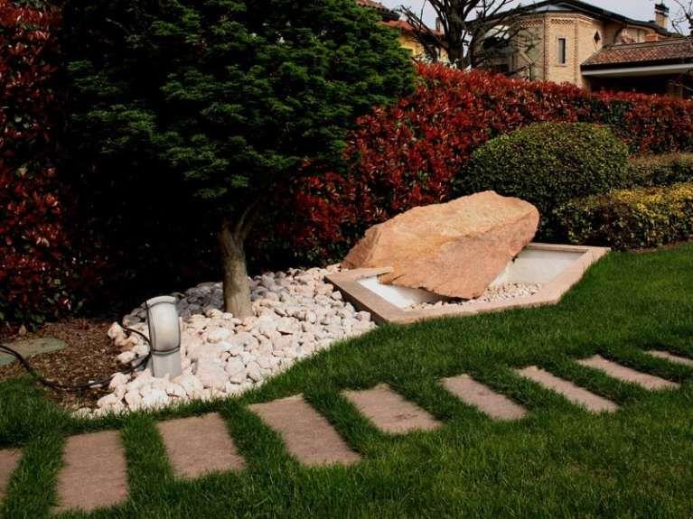 Giardini Moderni Con Sassi : Decorare il giardino con i sassi giardino giardino