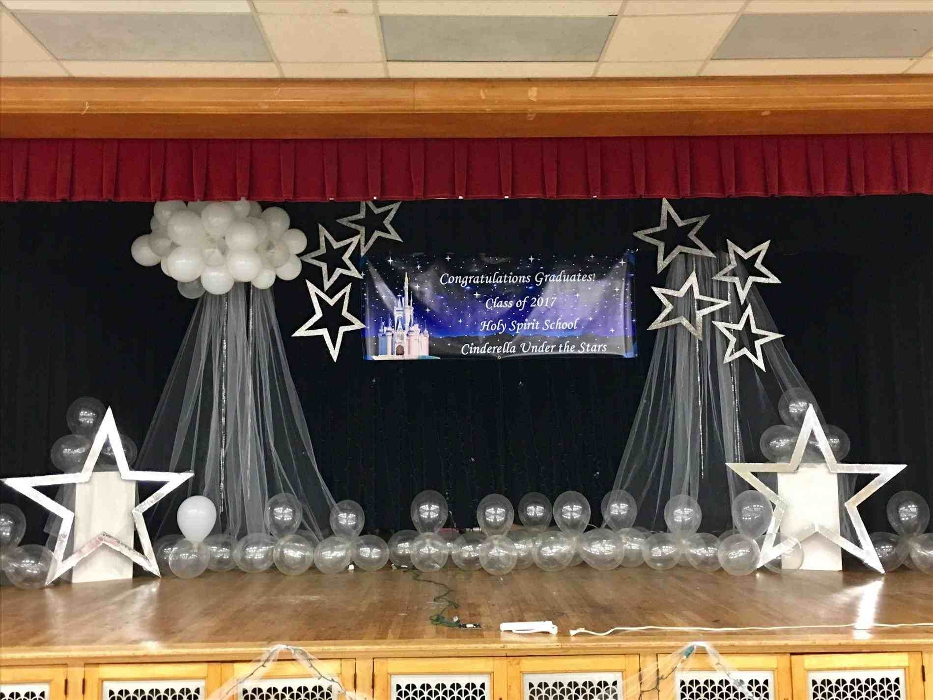 New Post Stage Decoration With Flowers For Graduation
