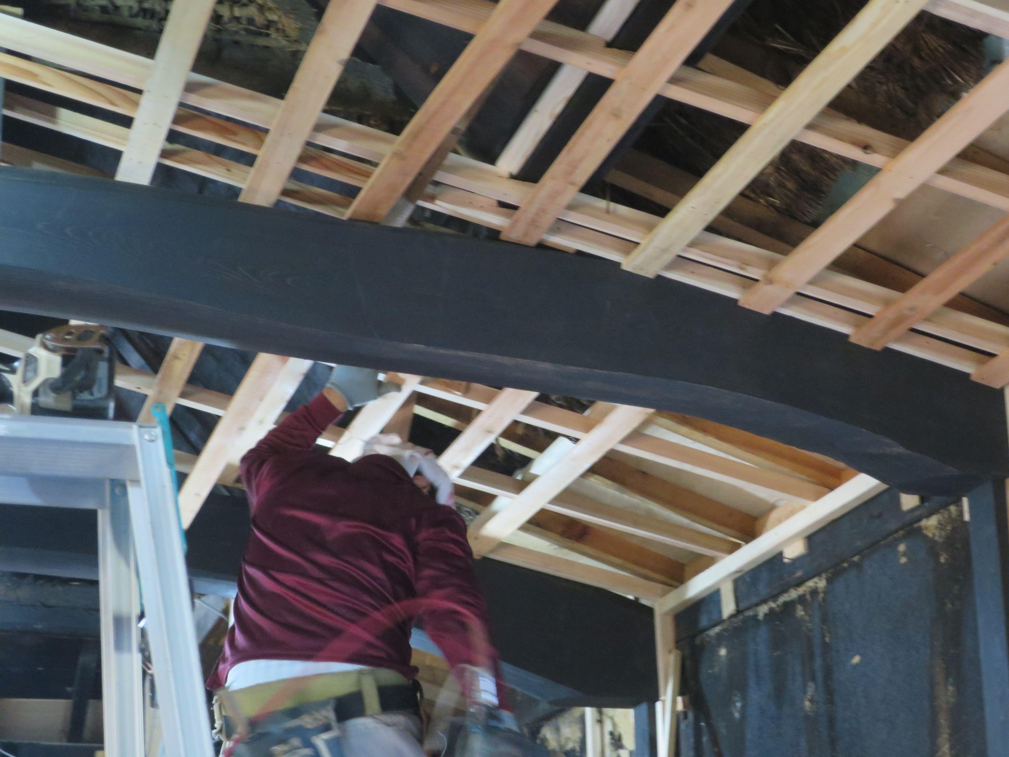 天井 斜め部分の下地材取り付け リフォーム 古民家 古民家 リフォーム