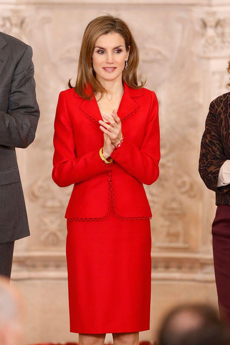 Sobriedad en rojo intenso Reina Roja e3f7da6ac429