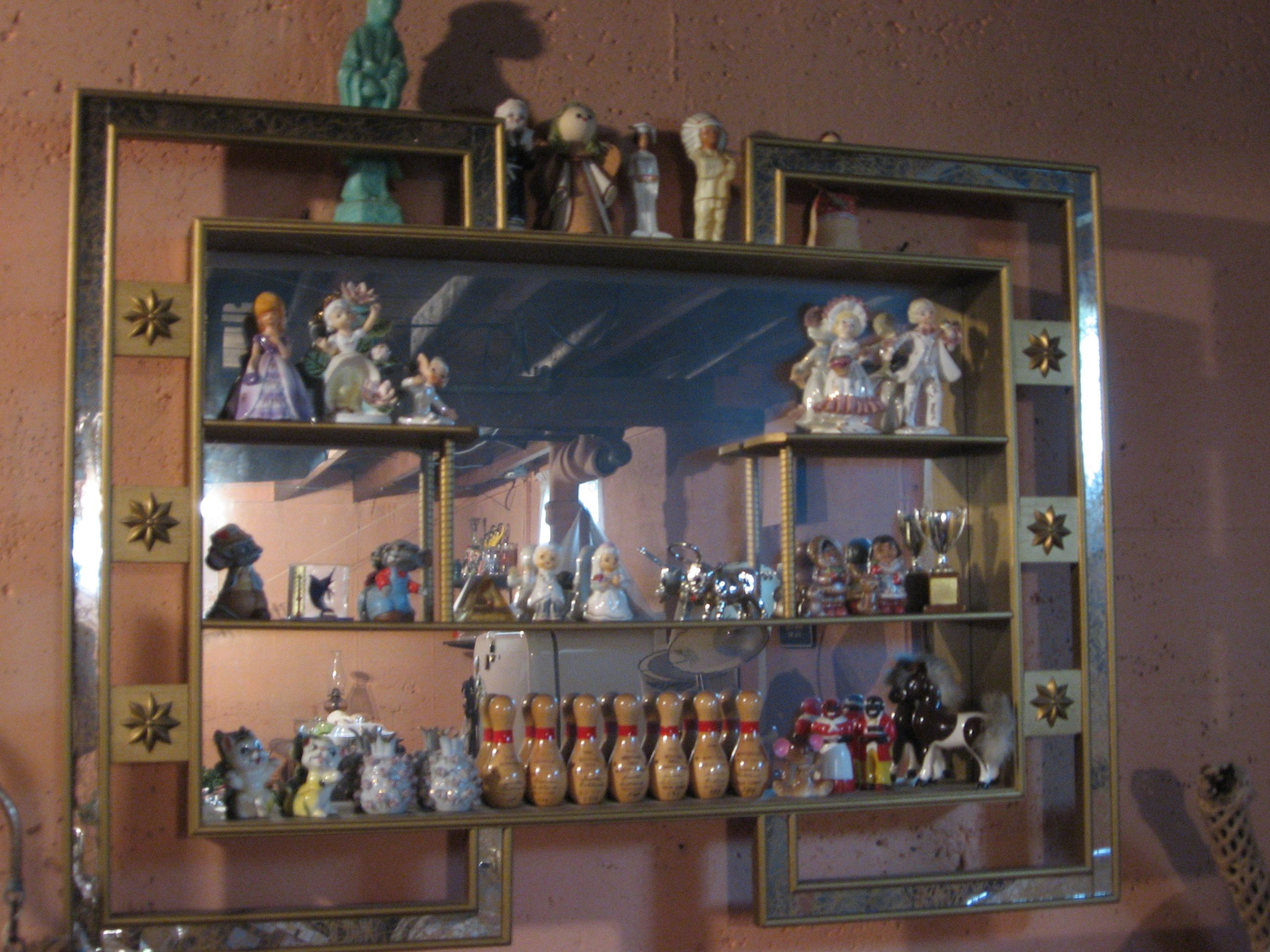 1950 39 s decorative shadow box mirrored knick knack shelf for Mirrored box shelves