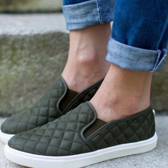 Sneaker style shoes Olive Suede New