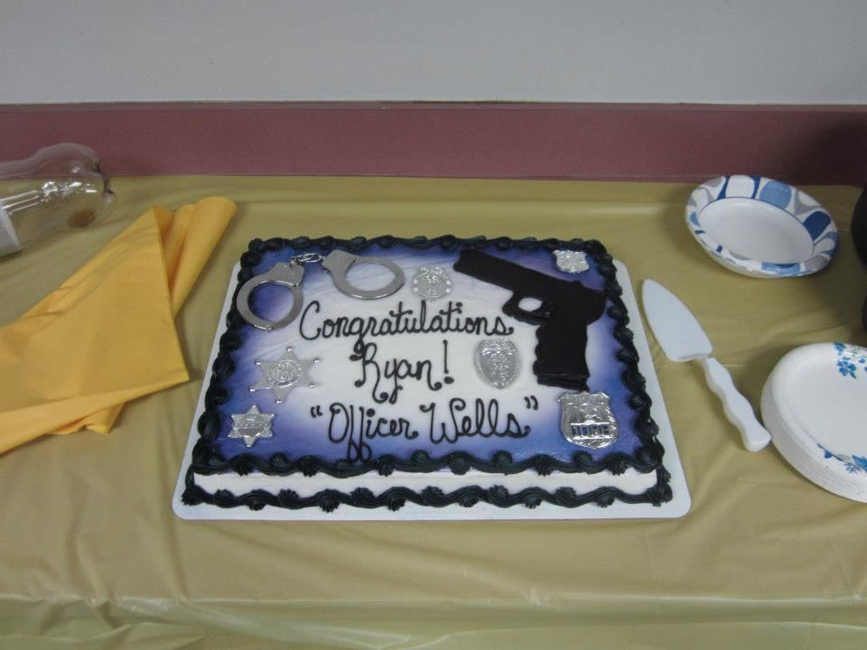 Police Academy Graduation Cake With Images Graduation Party