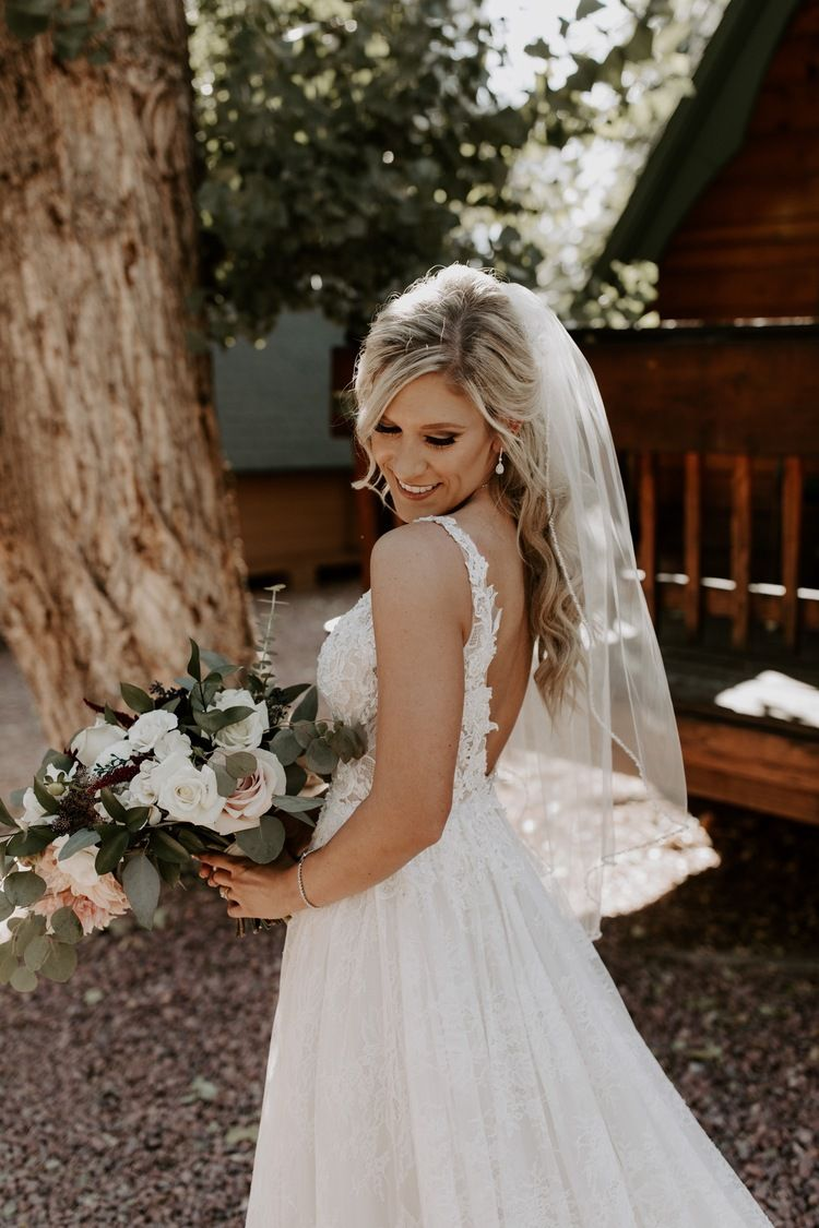 Cabins On Strawberry Hill Wedding Long Train Wedding Dress Wedding Dress Inspiration Wedding Gowns Lace [ 1125 x 750 Pixel ]