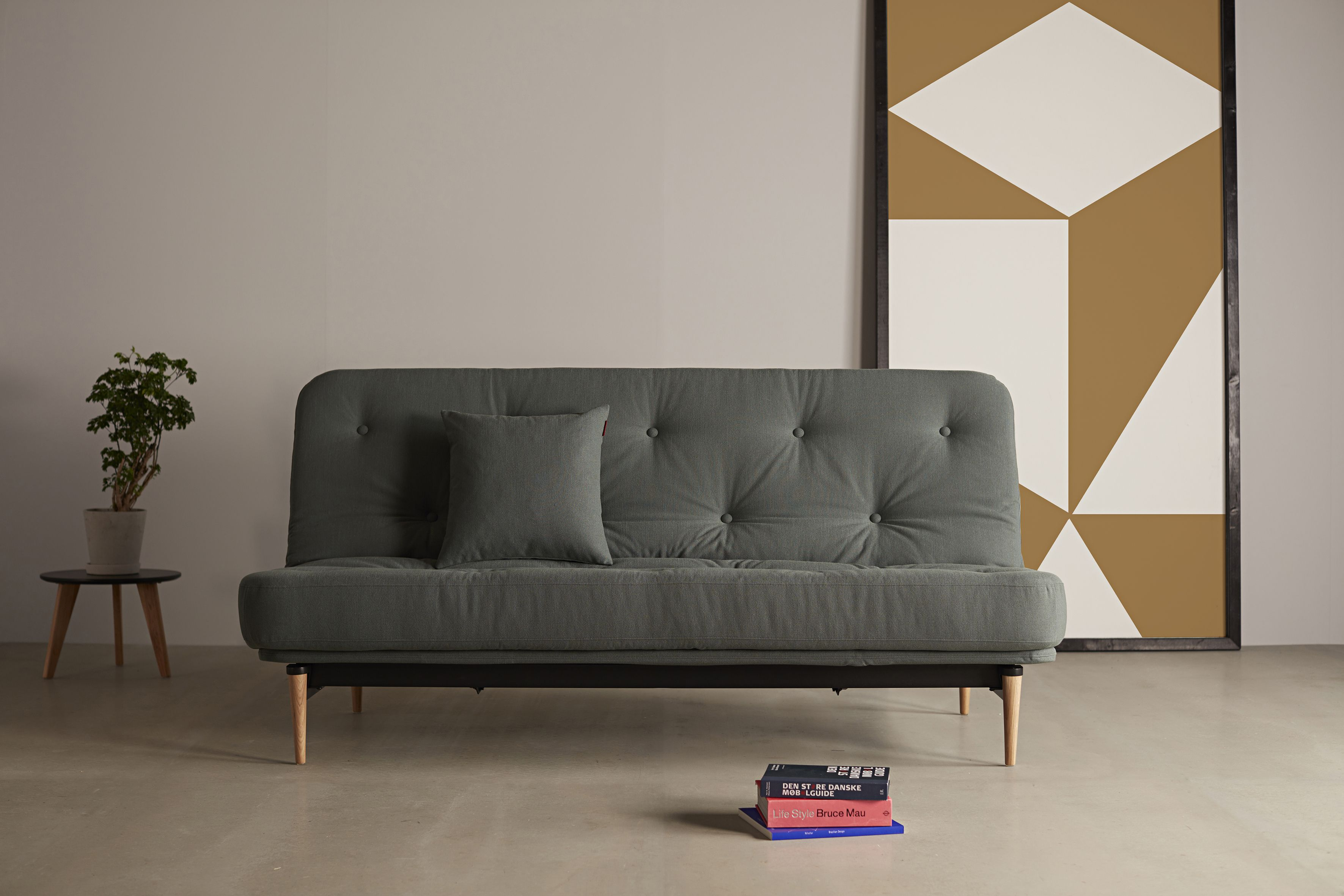 Das Neue Colpus 140 Sofabett Mit Dem Eleganten Styletto Holzfuss