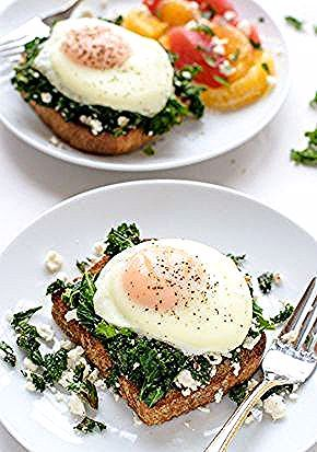 Hello, breakfast! This kale-feta-egg toast is super easy and has 33.3 grams of protein #actually #br...