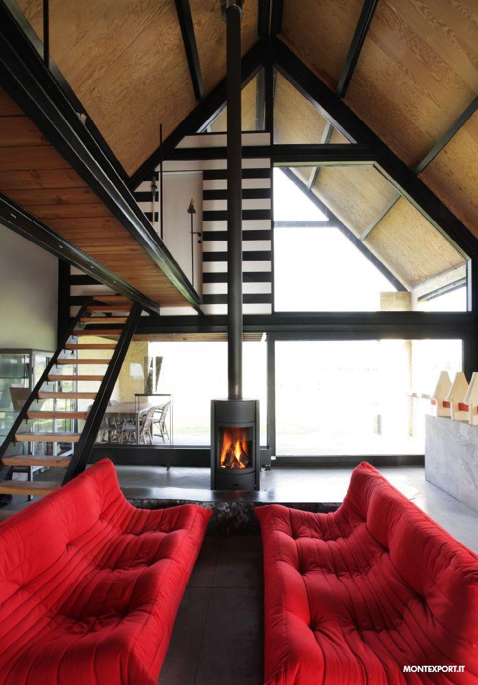 con un loft del genere, c'è solo l'imbarazzo della scelta su quali #stufe #legna utilizzare...