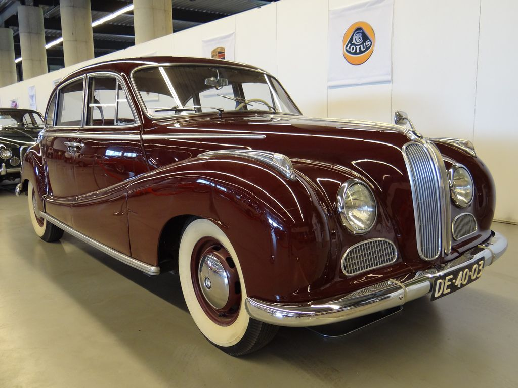 german-cars-after-1945: 1960 bmw 502 www.german-cars-after-1945