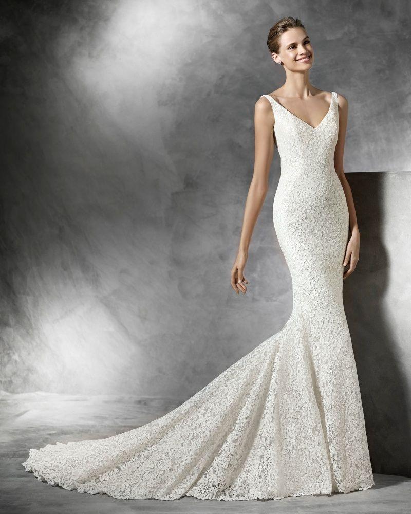 Lace v neck wedding dress  PRONOVIAS  VNeck Mermaid Wedding Dress in Lace  Mermaid Wedding