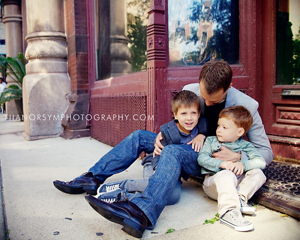 Dad and sons urban family portrait photography in chicago