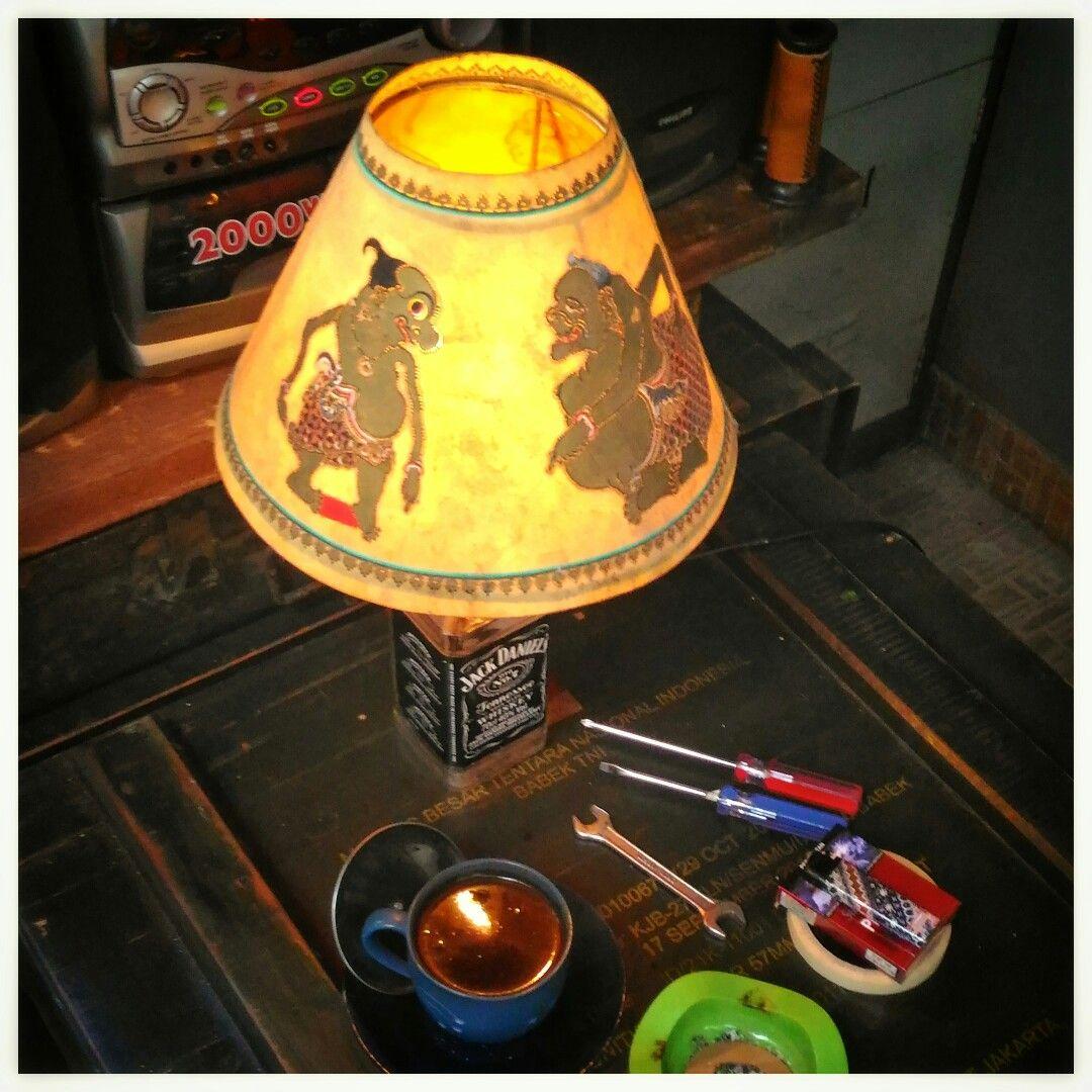 Bottle Desk Lamp Kap Lampu Dari Kulit Pahatan Tokoh Punakawan Kap Lampu Lampu