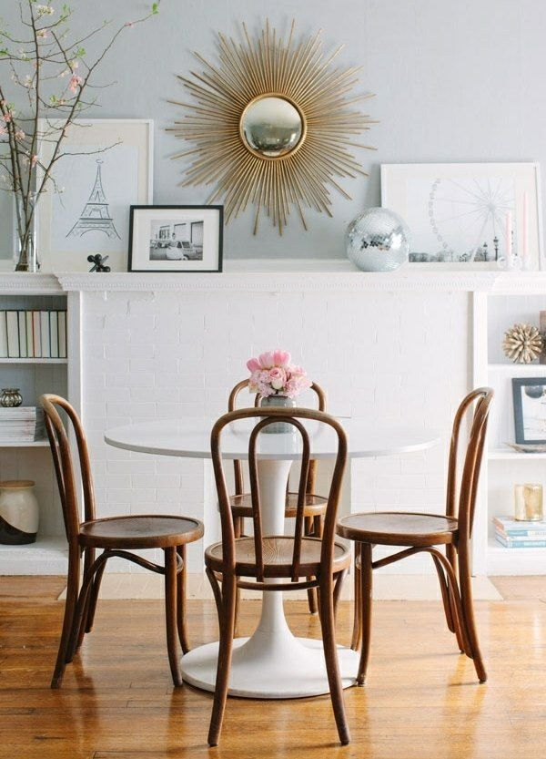 kleine sitzgruppe holz kunststoff esstisch ziegelwand wohnzimmer pinterest esszimmer. Black Bedroom Furniture Sets. Home Design Ideas
