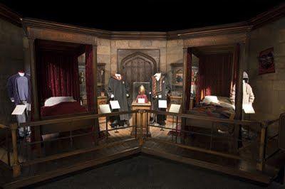 Pin By Sasha Lotarev On Garri Potter In 2020 Harry Potter Bedroom Harry Potter Exhibition Harry Potter Room