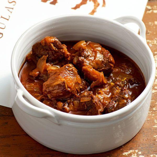 Rindsgulasch Rezept Fleischrezepte Beef Goulash Und Beef Goulash