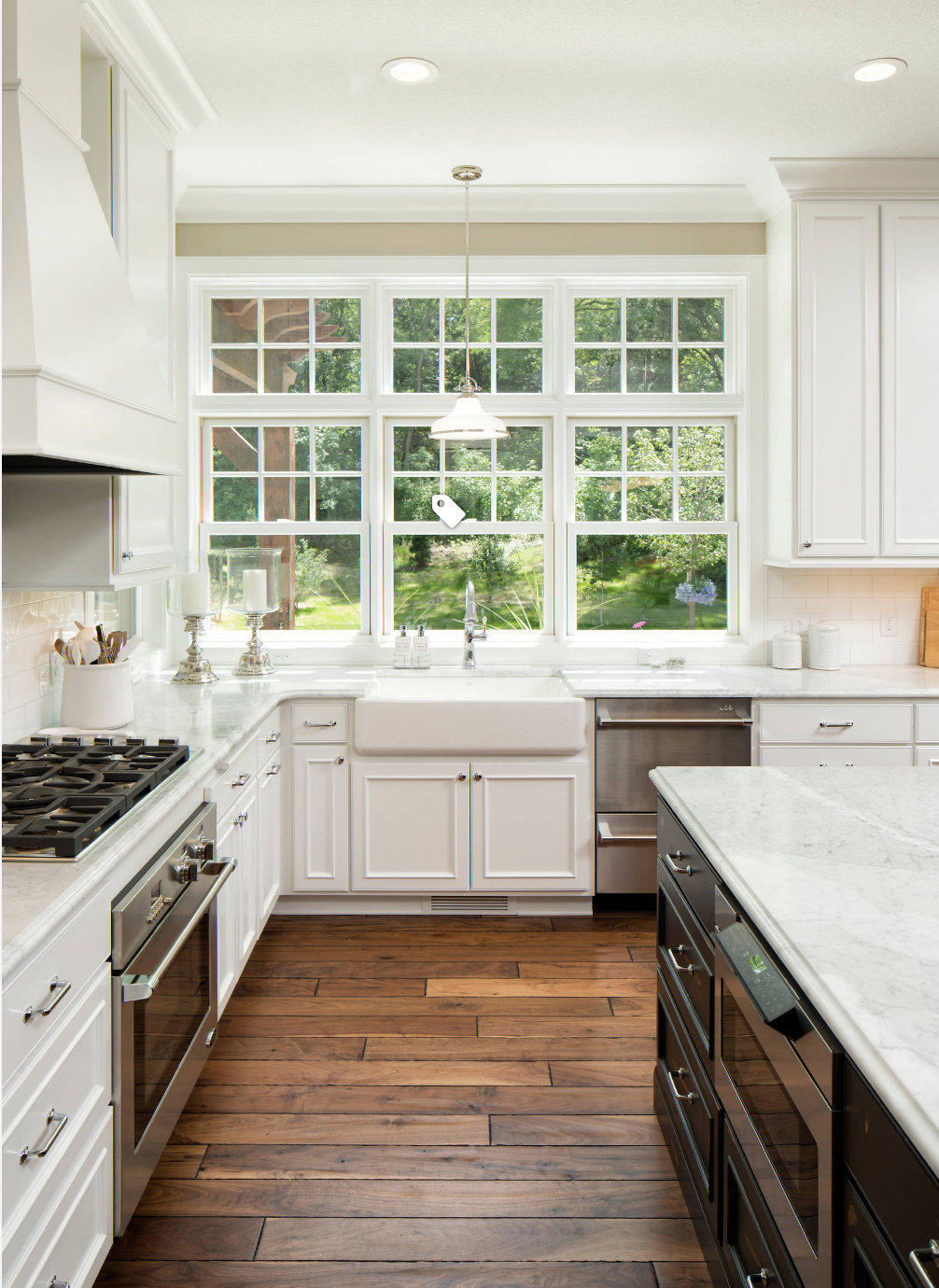 love this floor color with the white cabinets (With images ...