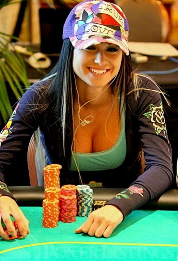 World Poker Fans 16 Hottest Poker Players Poker Room Poker Poker Chips