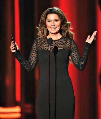 Shania Twain Reveals Her Favorite Lyrics And Where That Famous Leopard Print Coat Is Shania Twain Leopard Print Coat Favorite Lyrics