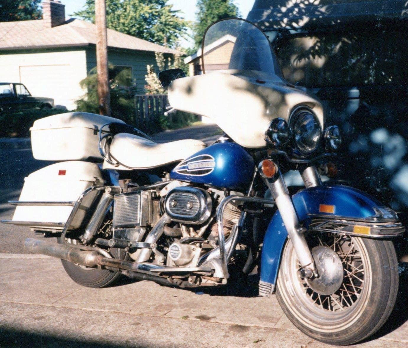 Harley 1972 Flh [ 1176 x 1381 Pixel ]