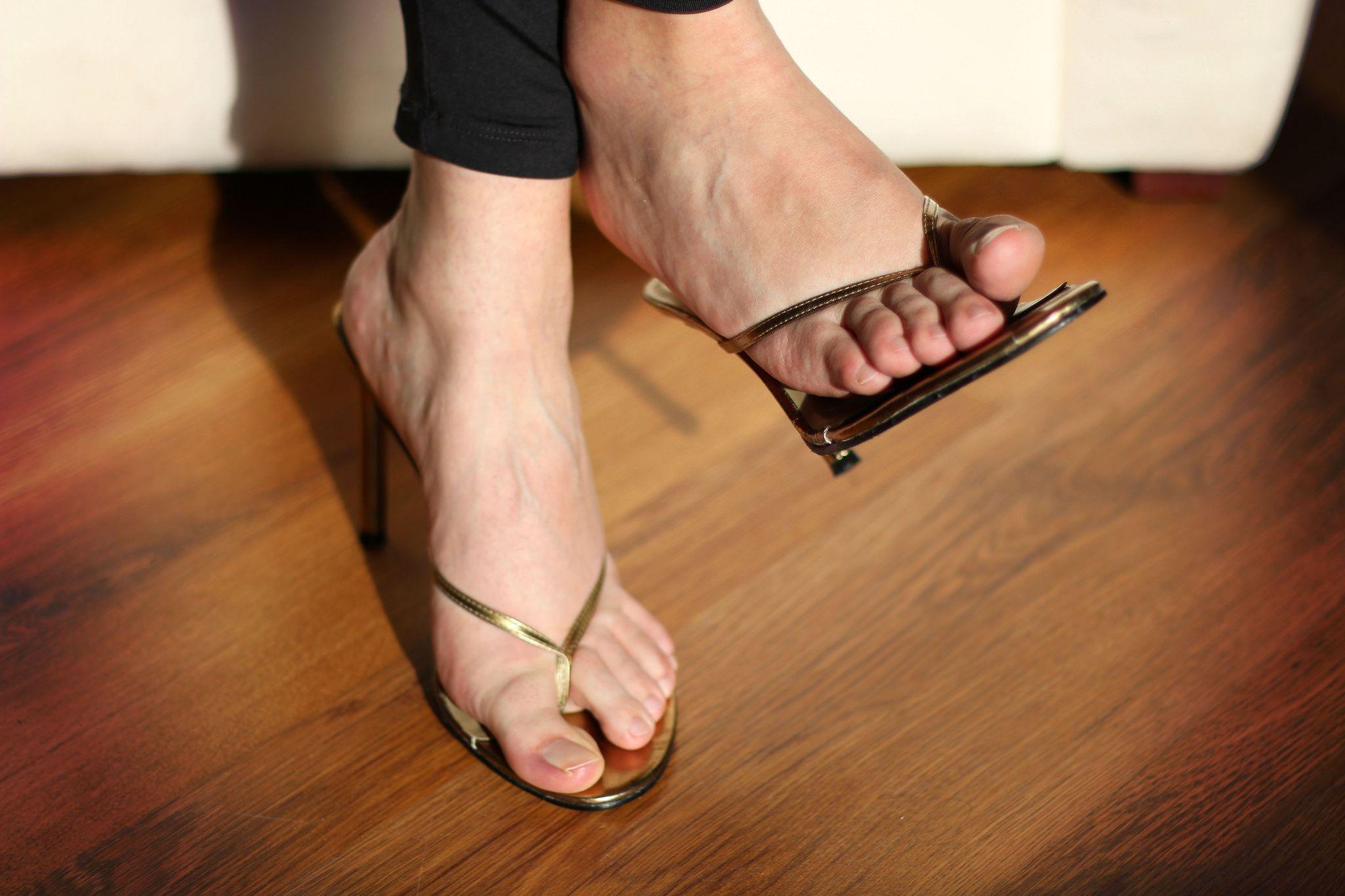 Thongs heel feet high