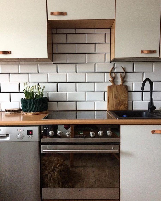 Ceramika Paradyz Na Instagramie Plytki Z Kolekcji Tamoe Wykonczone Ciemna Fuga Dodaja Charakteru W Kuchni Projektu Wooda Kitchen Sweet Home Kitchen Cabinets