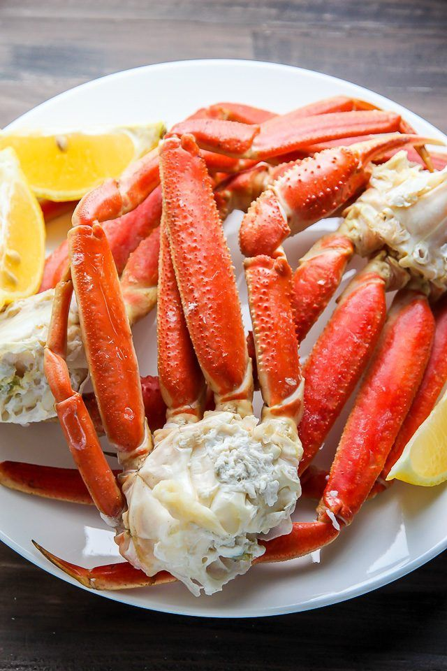 Juicy And Delicious Crab Legs Baked In The Oven In Just 15 Minutes Serve With Melted Butter Or Cocktail Cooking Crab Legs How To Cook Lobster Baked Crab Legs