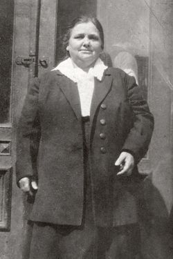 """Anna """"Annie"""" Moore (April 24, 1874 or May 1874 or January 1, 1877 – 1923 or December 6, 1924) was the first immigrant to the United States to pass through the Ellis Island facility in New York Harbor."""