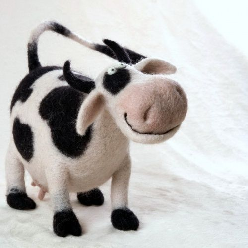 Miniature soft sculpture Felt cow Needle Felted cow animal Felted realistic Handmade toy felted wild animals