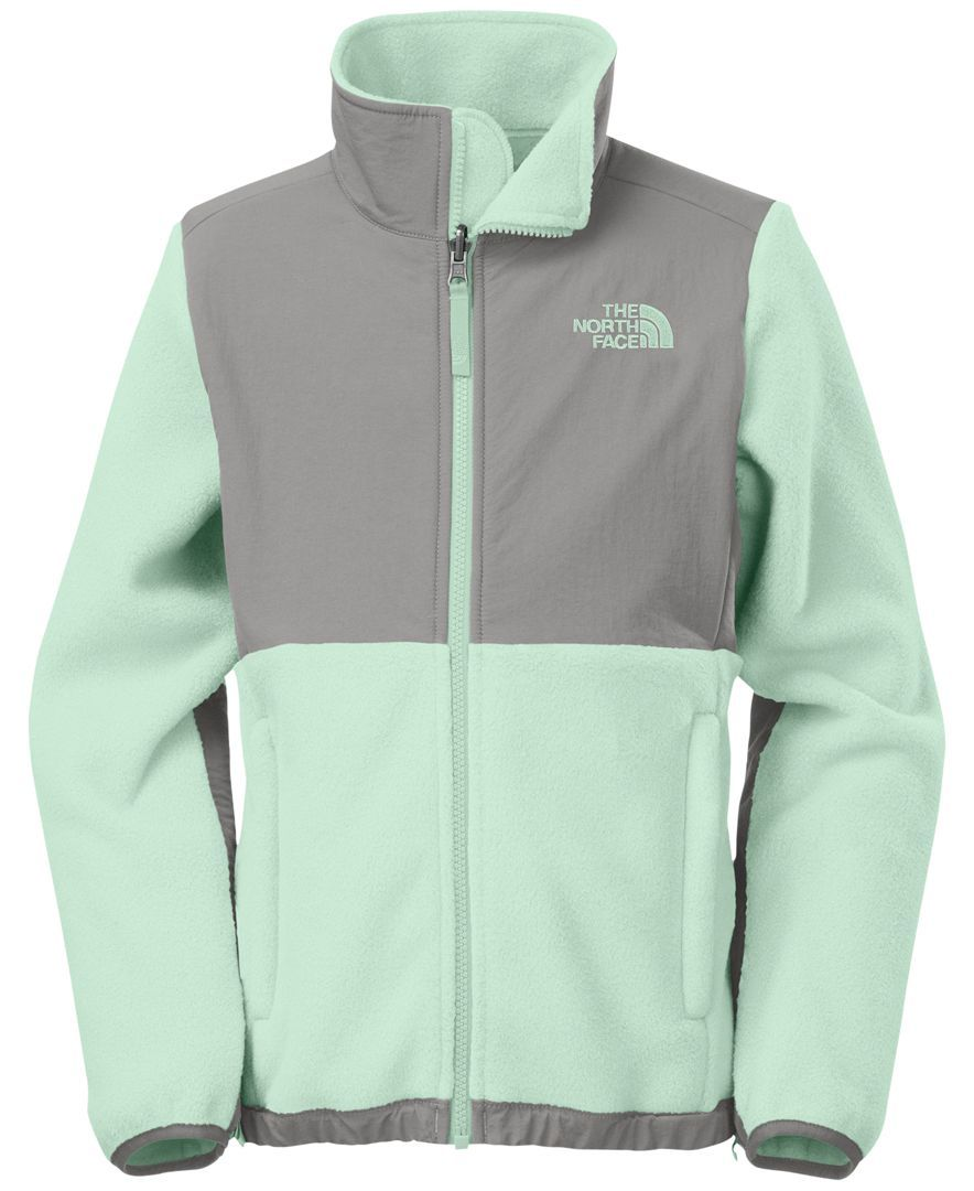 Star Gift This Instant Cold Weather Classic From The North Face Will Keep Her Stylish All Season Long Girls Jacket Outdoor Outfit North Face Girls [ 1080 x 884 Pixel ]