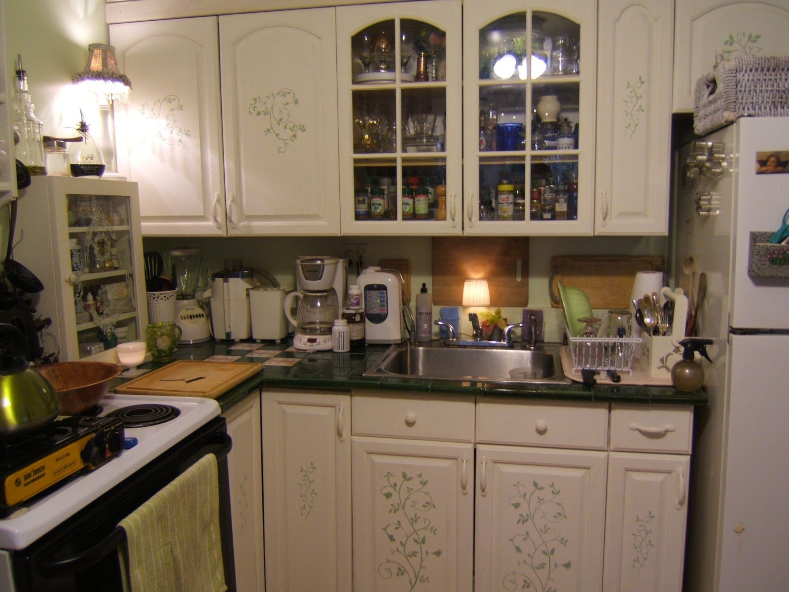 kitchen cabinet stencils | Our Kitchen | Pinterest ...