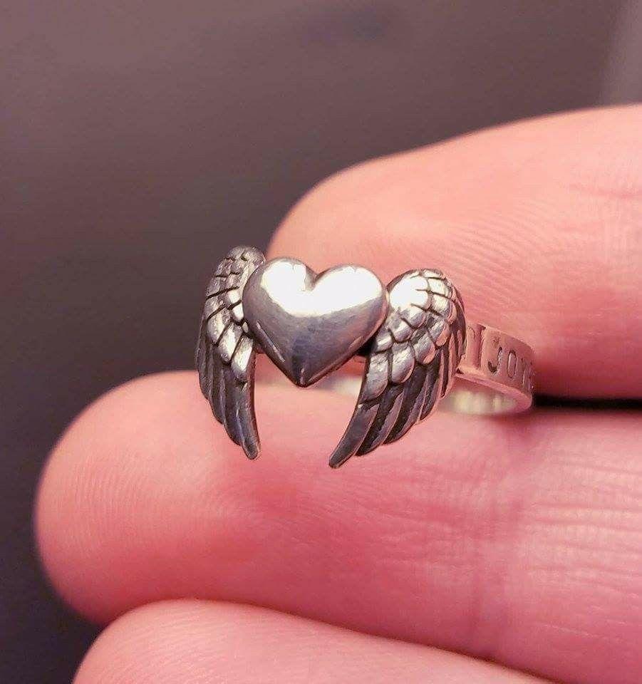 Memorial ring made with human ashes. Kati Ross, La Caprichosa Art ...