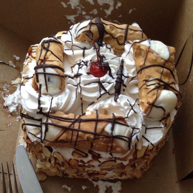 Carlo S Bakery Cannoli Cake Amazing Delicious