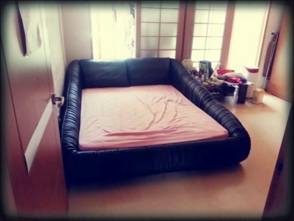 김선혜's Customer Review         매장에서 볼때와 달리 침대가 생각보단 커서 저희방에 콱차네요  넘 이쁘고 느낌이 넘 좋아요
