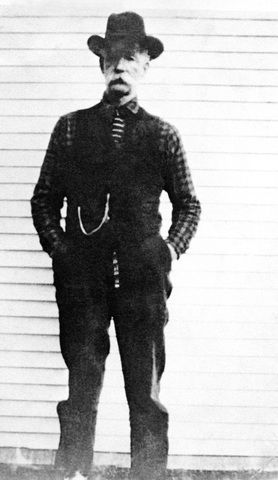 Floyd Hatfield-   The next significant event occurred in 1878, when Randolph McCoy accused fellow Pike Countian and Devil Anse relative Floyd Hatfield (shown here) of stealing a hog. Floyd Hatfield was acquitted, in part, due to the testimony of Randolph's nephew Bill Staton. Members of the McCoy clan exacted revenge by murdering Staton.