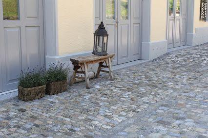 Kopfsteinpflaster Mit Gartendeko #gardendesign #garten #gartengestaltung  #Architektur #Landschaft #landschaftsarchitektur #
