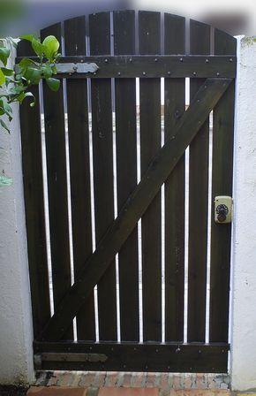 How to make wooden garden doors