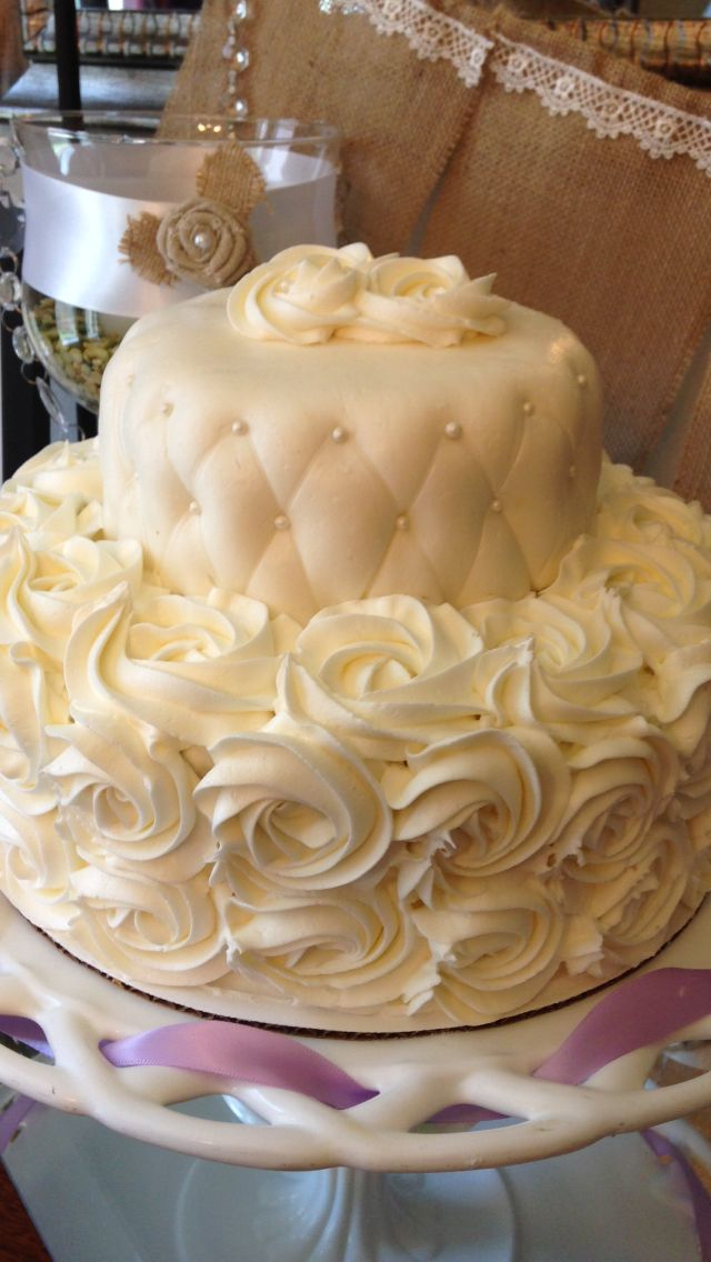 Elegant small wedding cake