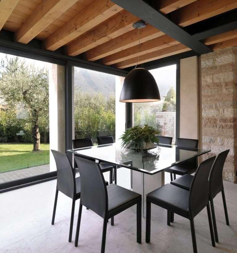 arredare casa con travi di legno salottino a vista