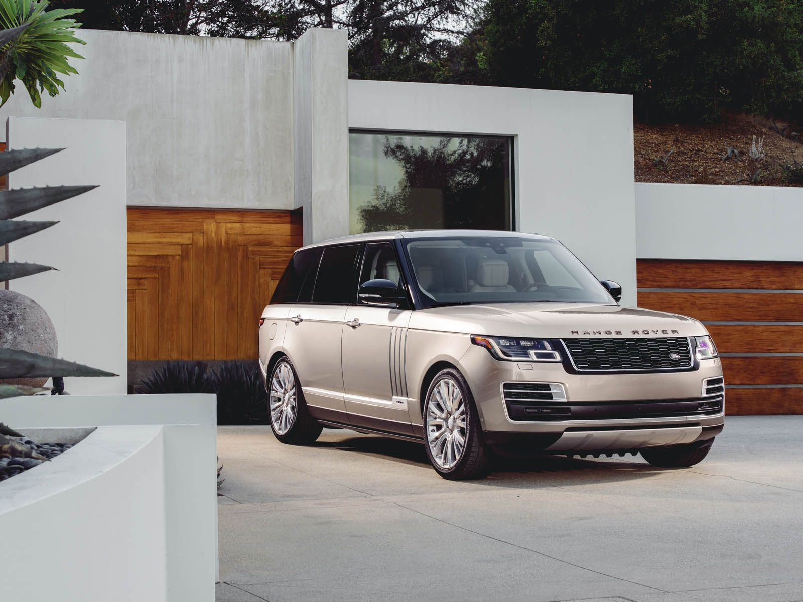 Range Rover Svautobiography Will Cost You Over 200k Carscoops