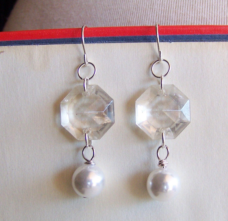 Pearl earrings with vintage chandelier crystals vintage recycled diy earrings pearl earrings with vintage chandelier arubaitofo Image collections