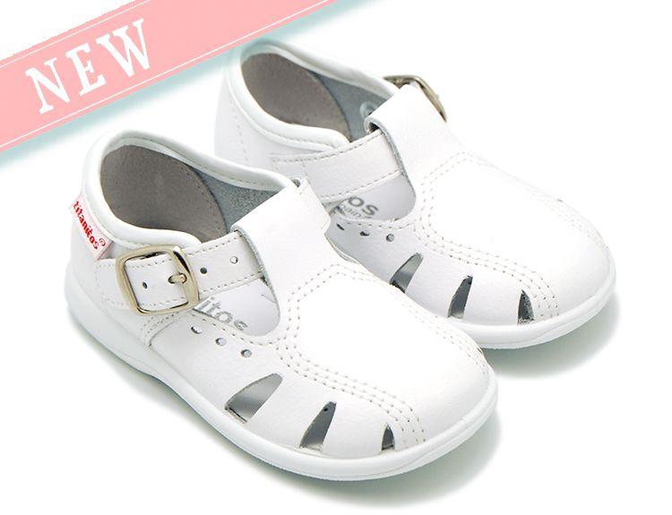 Tienda online de calzado infantil Okaaspain. Sandalias tipo pepito para  niños pequeños en piel lavable con puntera y hebilla. Diseño y Calidad al  mejor ... 482363269d0