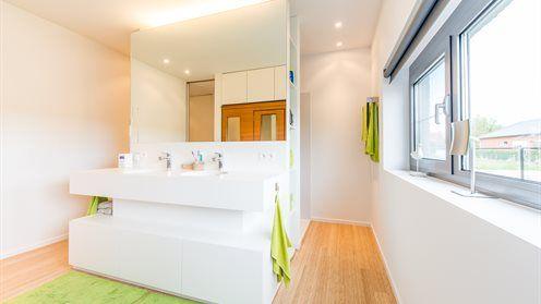 Badkamer Slaapkamer Ineen : Badkamer grenzend aan slaapkamer in één circulatieruimte ben