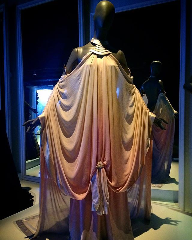 Padme S Dress During Attack Of The Clones Worn In The Kiss Scene