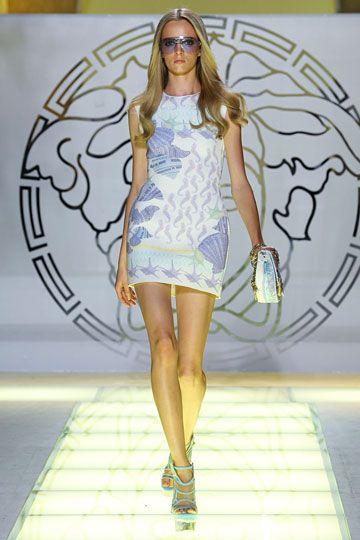 Versace Spring 2012 RTW Fashion Show  64ecd02e491