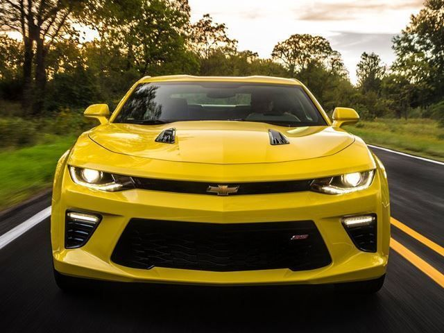 A New Camaro Zl1 Is Coming To Hunt Down The Mustang Shelby Gt350 Automotive99