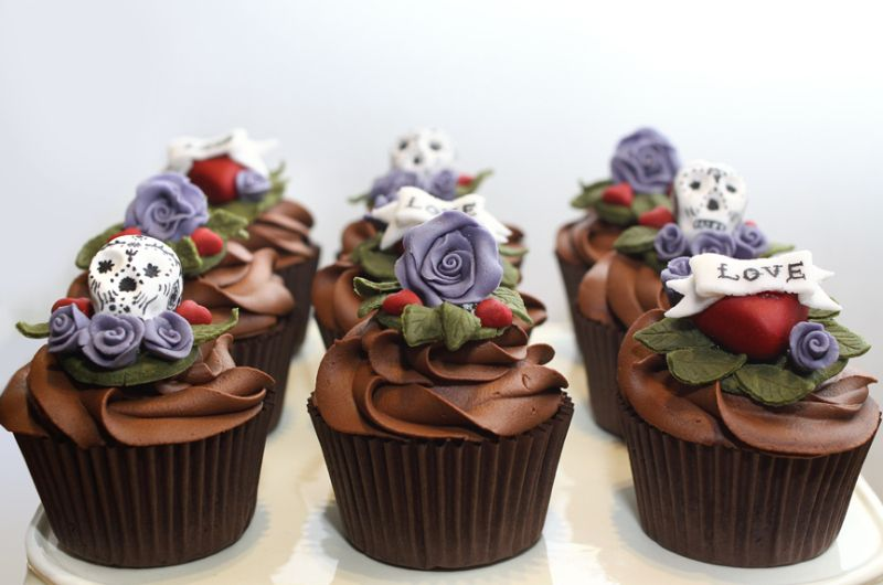 Vintage Tattoo | How sweet eats, Yummy cupcakes, Day of the dead cake